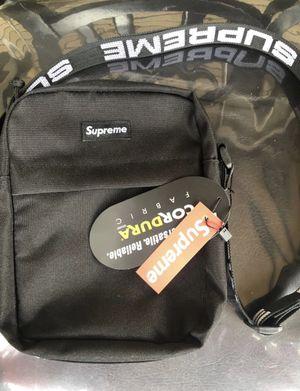 Supreme shoulder bag ss18 black for Sale in Fairfax, VA