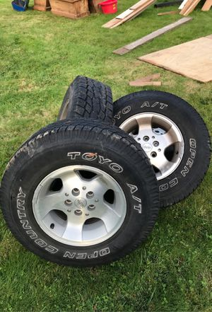 4 jeep rims 15 x 8 came off a 1990 Jeep Wrangler - tires are no good for Sale in Issaquah, WA