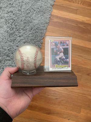 Signed Steve garvey baseball card and baseball in perfect condition serious buyers that are going to pay the amount I'm asking for for Sale in Ontario, CA
