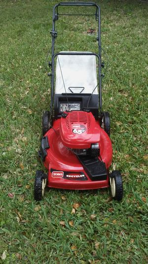 Lawnmower lawn mower Toro excellent conditions one pull start front wheel drive self propelled ready for work for Sale in Pembroke Pines, FL