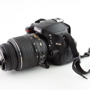 Like New Nikon D5100 DSLR Camera With Nikon Camera Bag & Accessories for Sale in Ellicott City, MD