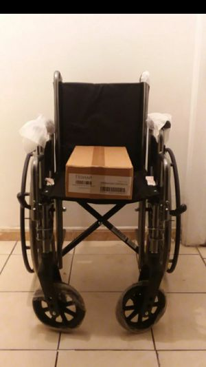 "MEDLINE EXCEL WHEELCHAIR 16"" WIDTH WITH FOOTREST IN BOX... for Sale in Paramount, CA"