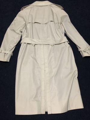 Tan/beige Burberry trench coat for Sale in TEMPLE TERR, FL