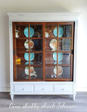 ETHAN ALLEN CHINA CABINET/ HUTCH for Sale in Port Charlotte, FL