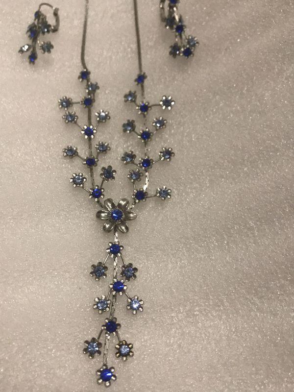 Beautiful crystal necklace set