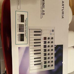 Keyboard for Sale in Orange, CT