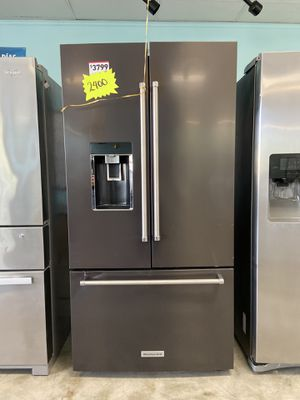 KITCHEN AID REFRIGERATOR 72 IN TALL for Sale in San Bernardino, CA
