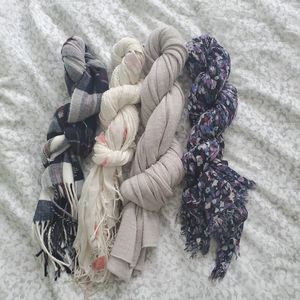 BUNDLE OF 4 SCARVES for Sale in Mill Creek, WA
