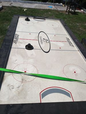Air Hockey table for Sale in Jan Phyl Village, FL