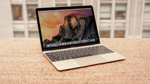 """**DREAM MACHINE **// 12"""" Apple Macbook GOLD 2017 // Intel i7 //8gb // 512gb SSD // with charger for Sale in Schaumburg, IL"""