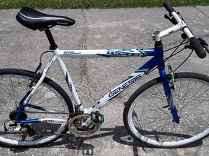 Genesis GS 700 21 speed bike with 700 tires, 57cm frame and new chain. for Sale in Zephyrhills, FL