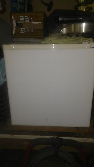 Mini refrigerator for Sale in McKees Rocks, PA
