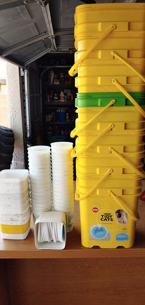 FREE - buckets and containers for Sale in Las Vegas, NV
