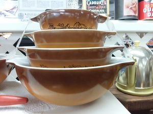 4pc Pyrex Old Orchard Cinderella mixing bowls!Credit cards accepted 😲 for Sale in Joliet, IL