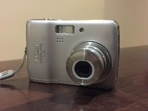 Nikon CoolPix L3 camera with case for Sale in Canyon Lake, CA