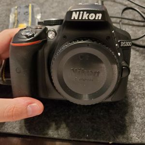 Nikon D5300 for Sale in Las Vegas, NV