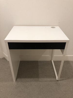 IKEA MICKE DESK WITH DRAWER for Sale in Los Angeles, CA