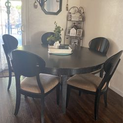 Round Dinning Table  for Sale in Hanford, CA