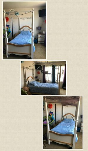Beautiful Twin Bedroom Frame for Sale in Richland, WA