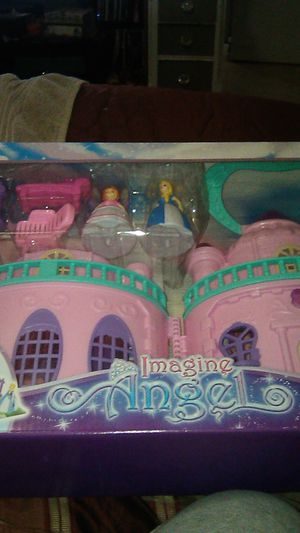 Imagine angel 13 pc doll house set for Sale in Columbus, OH