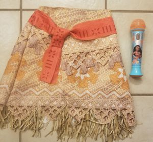 Disney moana skirt and microphone size 4-6 for Sale in Mansfield, TX