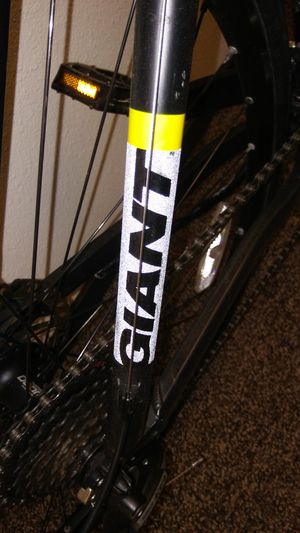 Giant hybrid bike. Mens large for Sale in Snohomish, WA