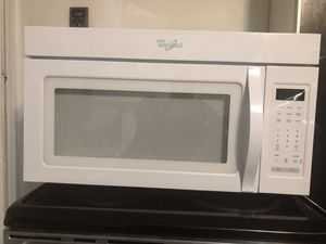 Microwave in Great condition. for Sale in Pompano Beach, FL