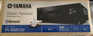 Yamaha R-S202 Natural Sound Stereo Receiver w/ Speakers for Sale in Richmond, TX