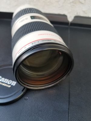 Canon 70 200 2.8 is for Sale in Long Beach, CA