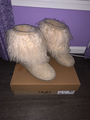 *RARE* UGG Short Mongolian Sheepskin Cuff Boot - Size 9 for Sale in Lansdowne, VA