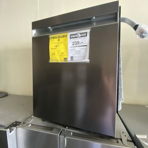 SAMSUNG BLACK STAINLESS 3RD RACK DISHWASHER for Sale in Santa Ana, CA