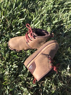 Ugg Neumel waterproof for boys Sz 1 for Sale in Rancho Dominguez, CA