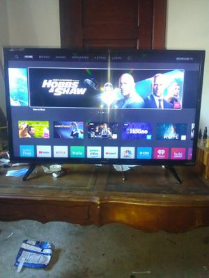 BRAND NEW!!!! VIZIO SMART TV 35in for Sale in Bloomington, IL