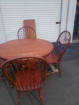 Kitchen table and chairs for Sale in Woodbridge, VA