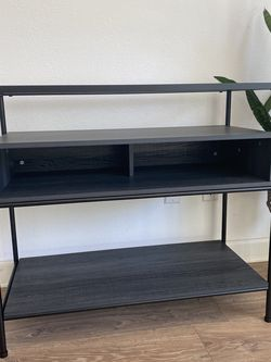 project 62 Entry Way Table for Sale in Redlands,  CA