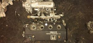 1991 Honda Civic CRX/Hatch Back Si complete Head and intake manifold for Sale in Phelan, CA