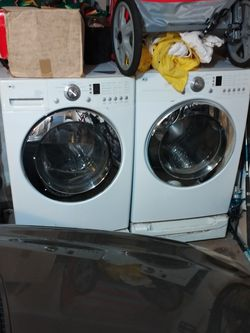Like New LG Washer & Dryer! for Sale in Stockton,  CA