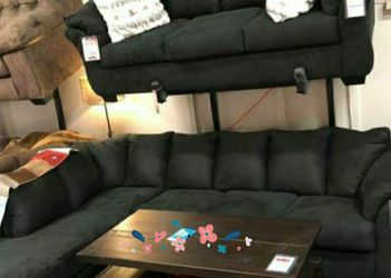 New Darcy Black RAF Sectional⭐ In Stock 💗Couch & living room set & sofa for Sale in Houston,  TX