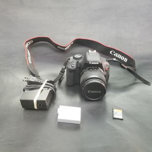 CANON EOS REBEL T3i DIGITAL SLR CAMERA with EF-S 18-55mm LENS & ACCESSORIES for Sale in New York, NY