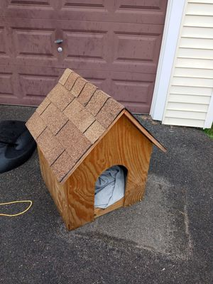 Dog house for Sale in Pawtucket, RI