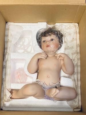 """Ashton Drake """"Pretty as a Picture"""" Porcelain Doll for Sale in Gilbert, AZ"""