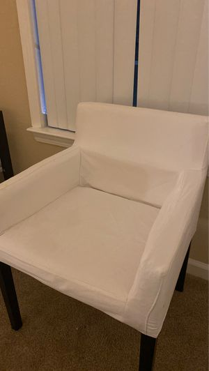 White chair with removable cover. for Sale in Mountain View, CA