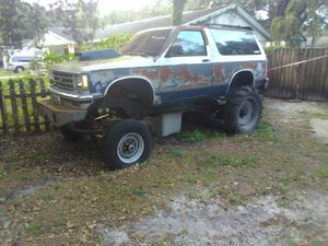 S 10blazer mud truck for Sale in Lutz, FL
