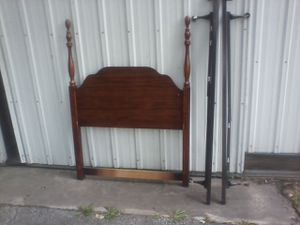 Twin headboard and bed frame for Sale in Custer Park, IL