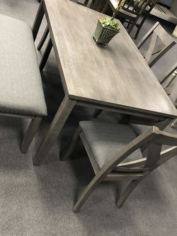 6PC Gray Dining Table Set W/ Bench for Sale in Fresno,  CA