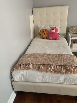 Almost new twin Leather bed for Sale in Nashville, TN
