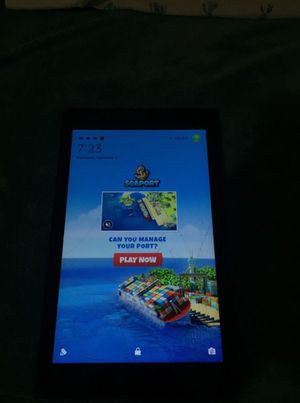 Amazon fire tablet racked but works perfect for Sale in Anaheim, CA
