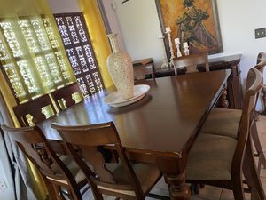 Dinning set 8 chairs solid Wood org $2500 for Sale in Kissimmee, FL
