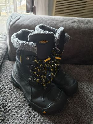Keen Basin WP Boot size 6Y size 2 for Sale in Palatine, IL