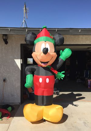 New Christmas Disney 8 ft Light Mickey Mouse with Hat & Scarf Airblown Inflatable for Sale in Hesperia, CA